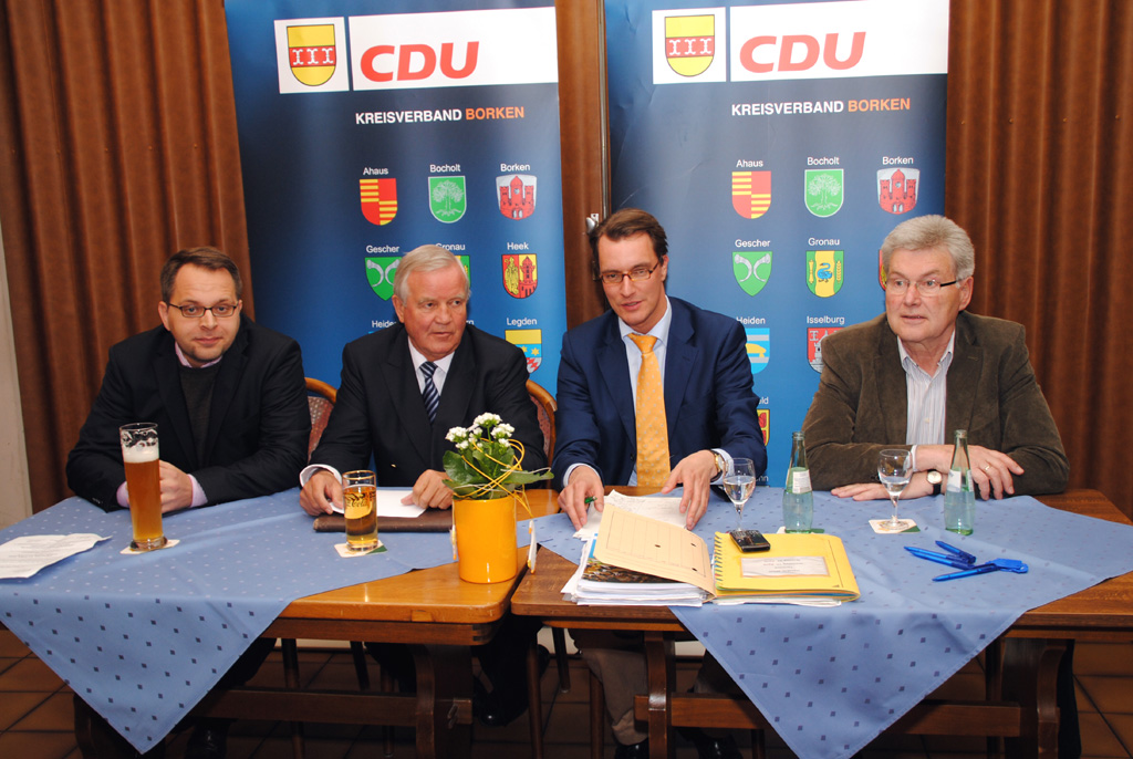 Thomas Kerkhoff, Christian Weisbrich, Hendrik Wüst und Stefan Hegering (v.l.)
