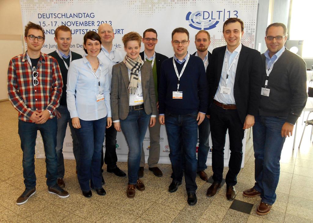 JU-Kreisvorsitzender Thomas Eusterfeldhaus (4.v.r.) und der Landesvorsitzende der JU NRW, Paul Ziemiak (2.v.r.), mit der JU-Delegation aus dem Kreis Borken