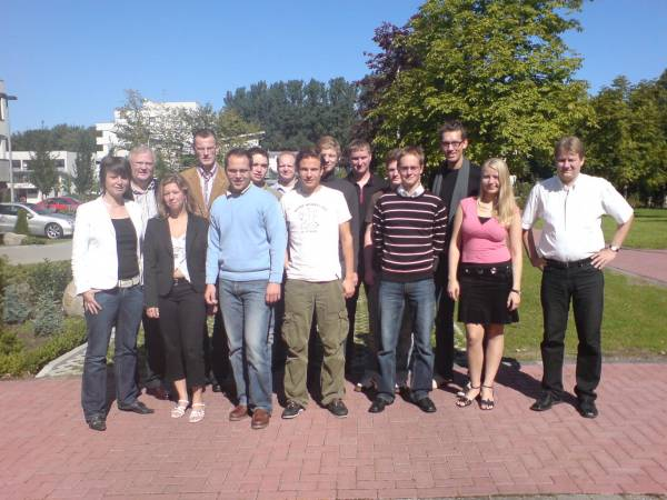 Der JU-Kreisvorstand mit Dr. Schrameyer am Marienhospital in Ahaus