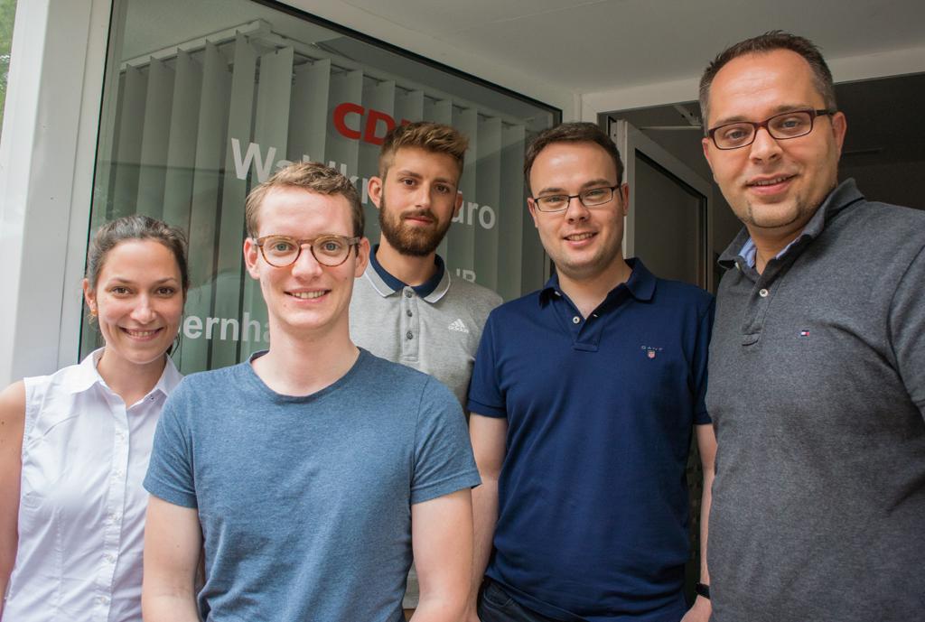 Heike Wischemann, Julian Kiefmann, Marvin Barkanowitz, JU-Kreisvorsitzender Thomas Eusterfeldhaus und Thomas Kerkhoff (v. l.)